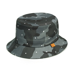 SQUARE BUCKET / DOT CAMO